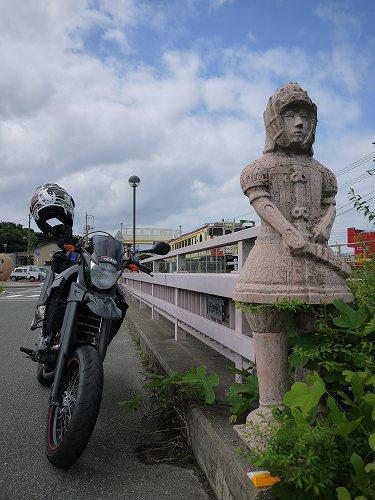 埴輪な駅.jpg