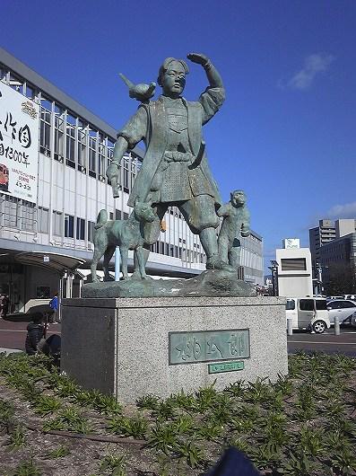 岡山駅の桃太郎.jpg
